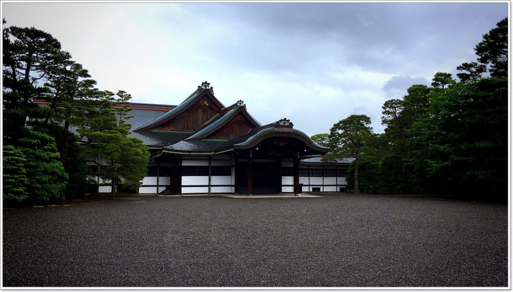 sento-imperial-palace-02