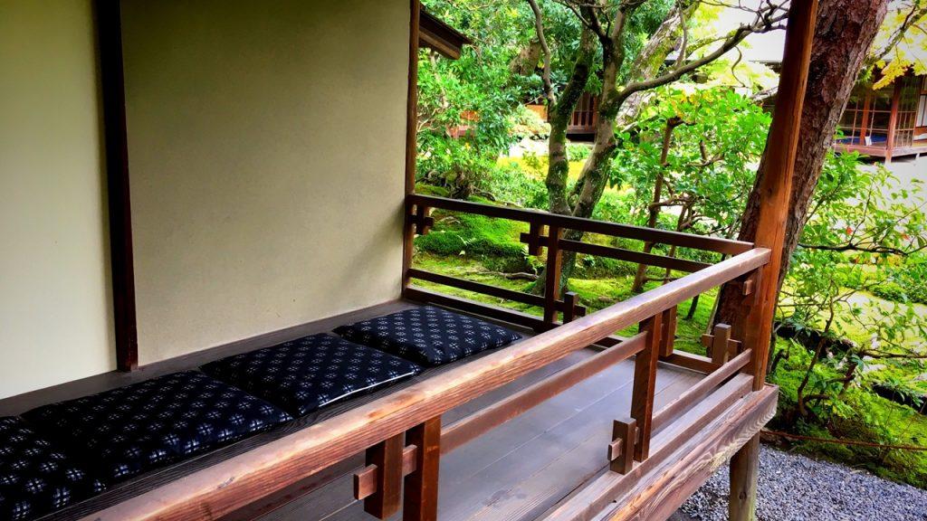 「無鄰菴」茶室縁側のお座敷