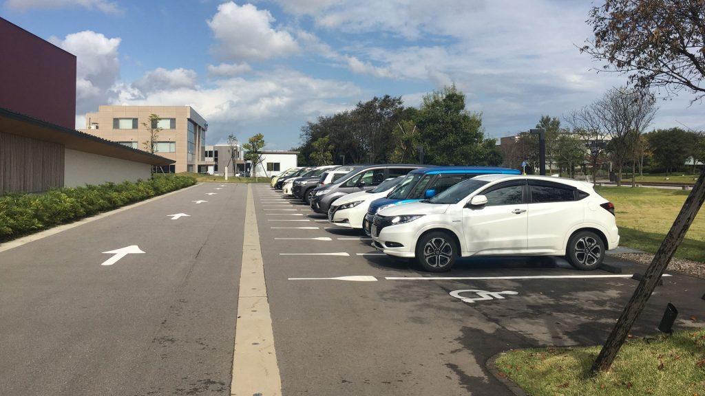 能作-駐車場