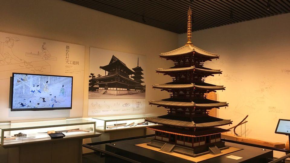 竹中大工道具館B1Fの法隆寺の模型(Takenaka Carpentry Tools Museum)