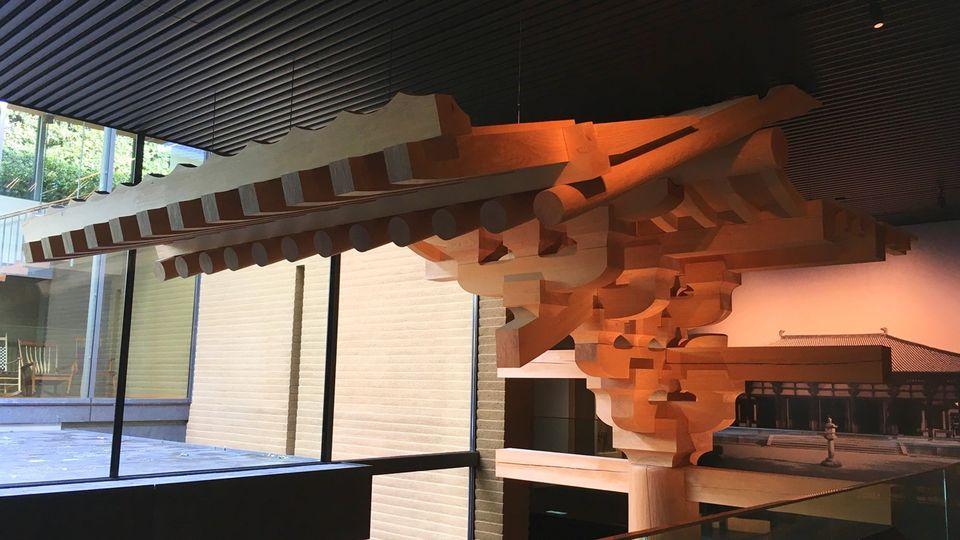 竹中大工道具館B1Fの唐招提寺の模型(Takenaka Carpentry Tools Museum)