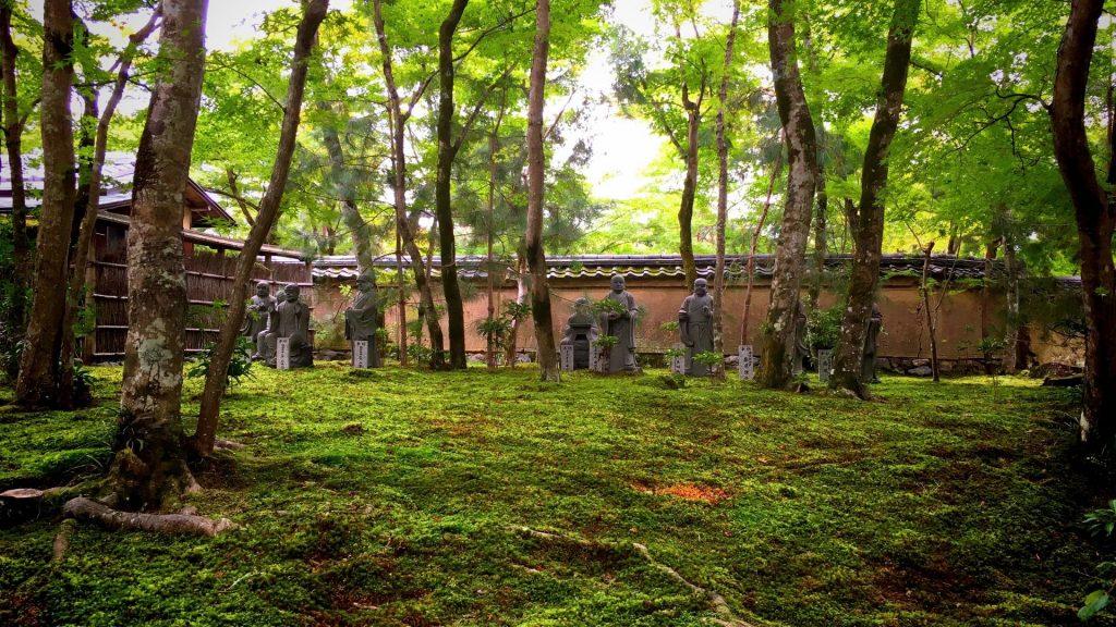 宝厳院-境内の羅漢像