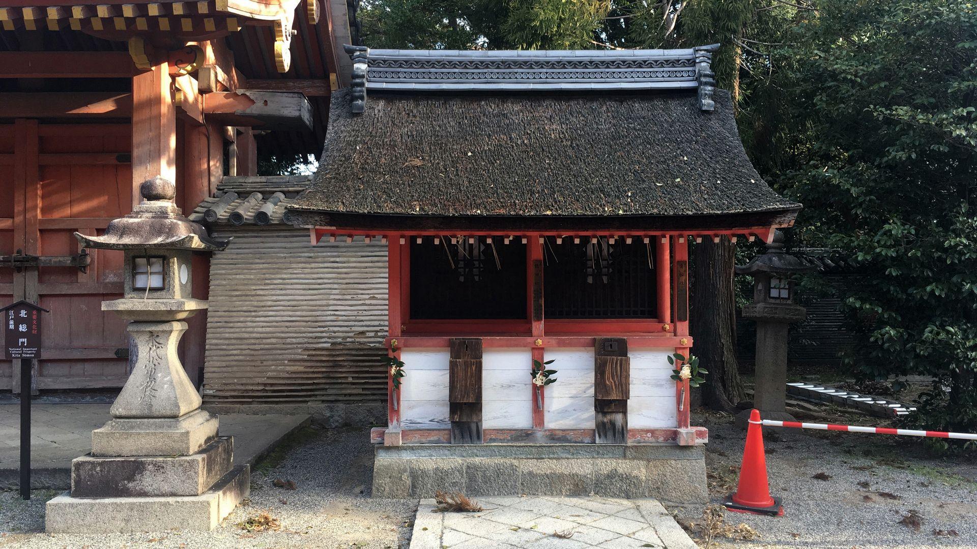 石清水八幡宮の貴船社と龍田社