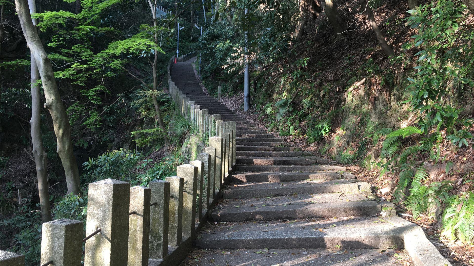 石清水八幡宮の裏参道