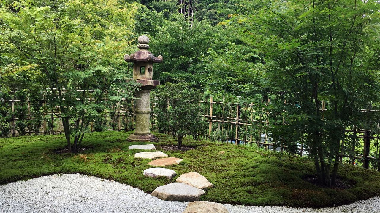 正寿院の客殿の庭園01