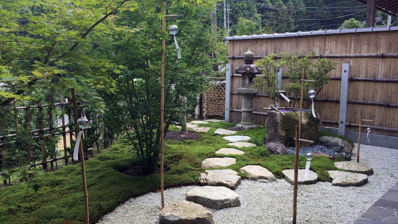 正寿院の客殿の庭園02