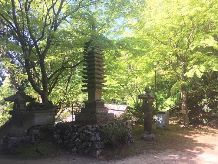 本山寺の境内