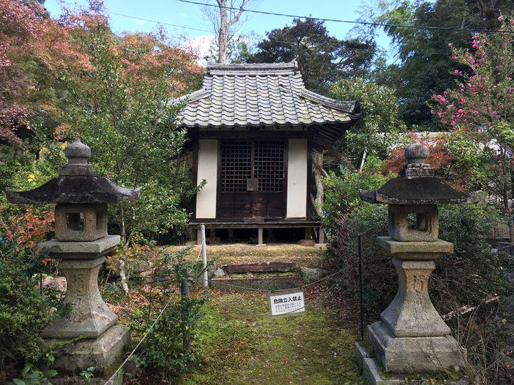 常楽寺の行者堂