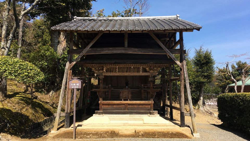 二尊院の八社ノ宮(Hassha-no-miya shrine in Nison-in Temple)