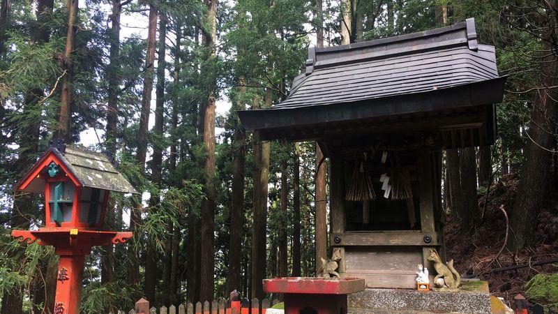 愛宕神社の稲荷社(Inari-sha Shrine)